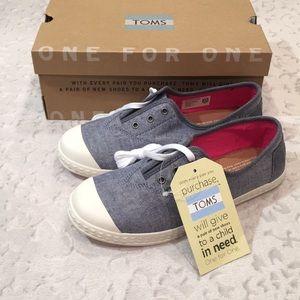 Toms Zuma Sneaker (Youth 4)